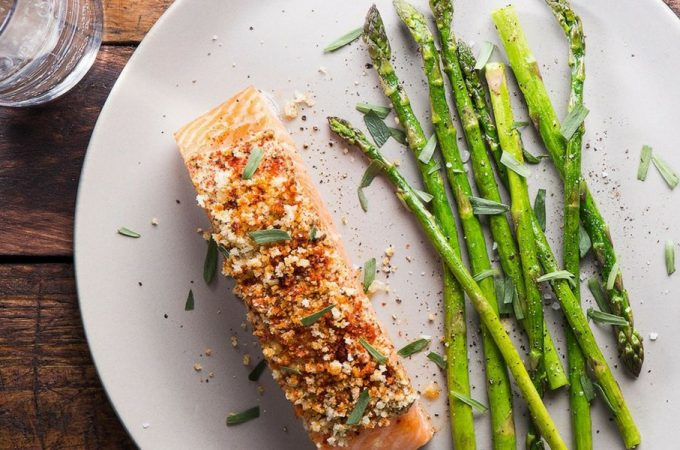 Seared Salmon with Asparagus